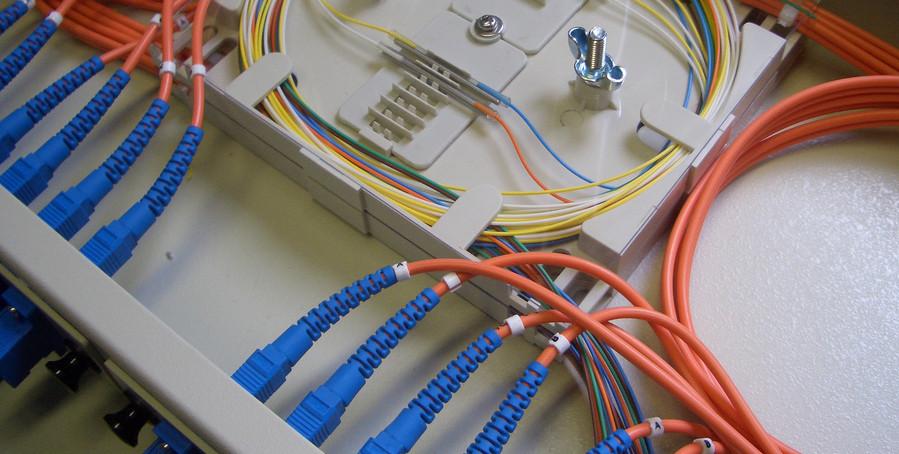 Guifi.net, xarxa de fibra òptica