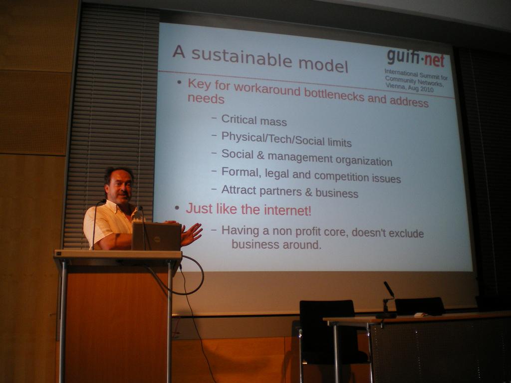 Ramon Roca a la xerrada al IS4CWN 2010